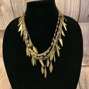 Stella & Dot Garland Fringe Necklace
